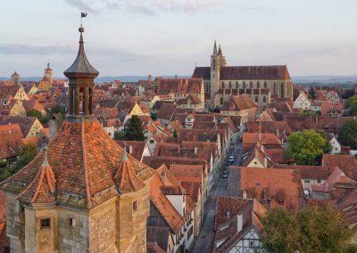 rothenburg-tourismus-service-w-pfitzinger-exkl-blick-auf-st-jakob-seite49