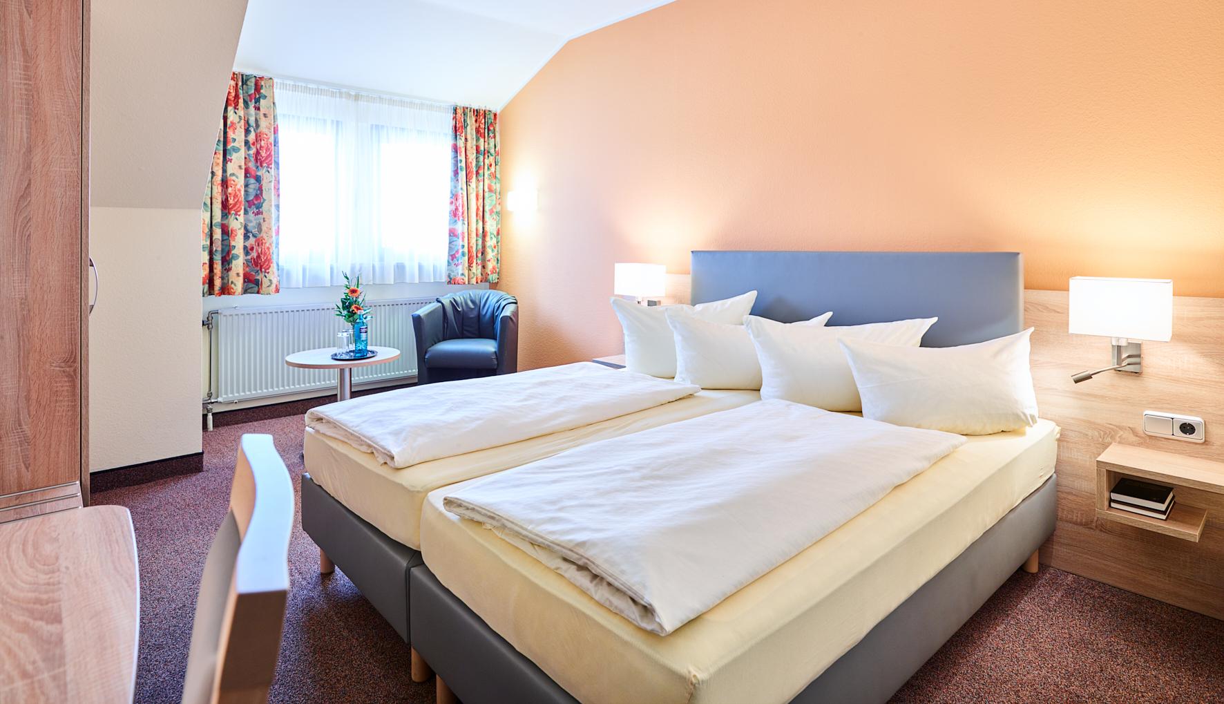 Zimmer 202 Klein Jpg Hotel Merian Rothenburg
